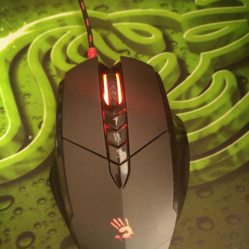Мышка A4Tech Bloody V7M